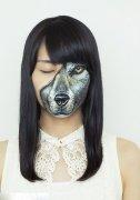 比如东京艺术家光昭23的人体彩绘作品